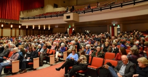 Approx 400 people heard Roz Chast speak at the Avalon 2-21-15