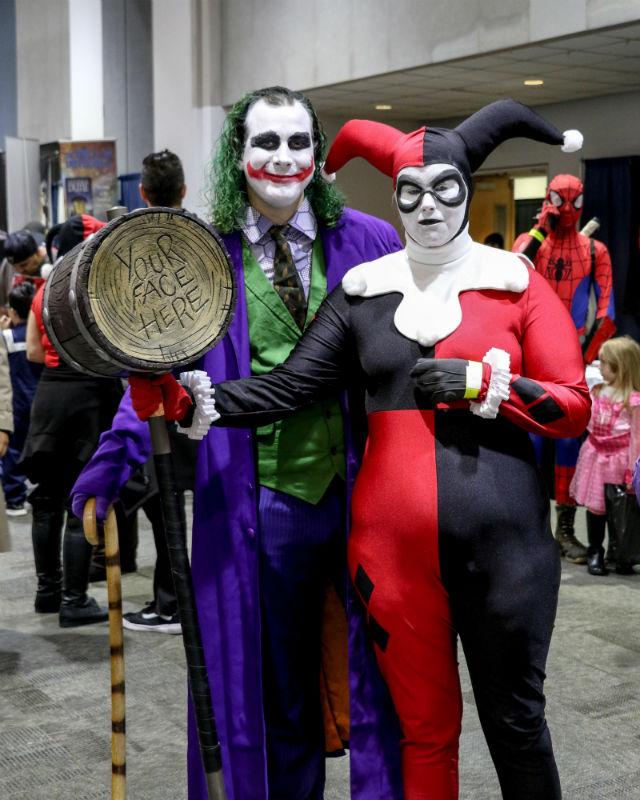 Comic Con Hook up costume Spencer maison et loin rencontres en ligne